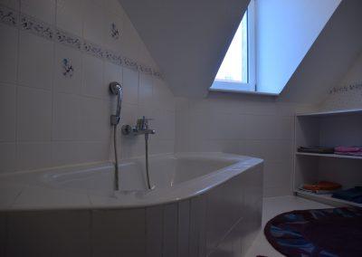 Ferienwohnung Offenburg Waidele - Badezimmer / Badewanne